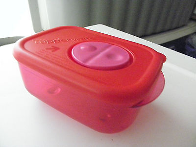 NEW Tupperware Rock N Serve Small ~ 1-cup capacity in Candy Cane RED~Very RARE~