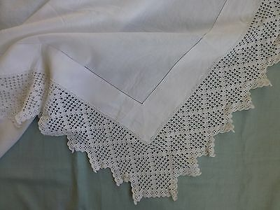 Antq Victorian Edwardian style linen tea tablecloth hand crochet lace edge