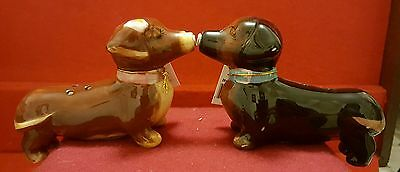 Westland kissing doxie Dauchshunds salt & pepper magnetic shaker figurine new
