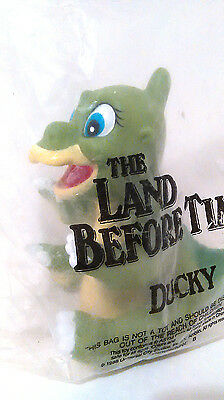 Vintage 1988 Pizza Hut Land Before Time Plastic Vinyl Hand Puppet - DUCKY