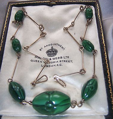 Vintage Art Deco  Green Satin Moulded Poured Glass Rolled Gold Wire Necklace