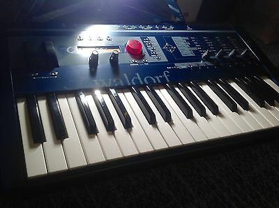 Waldorf Micro Q Keyboard Synthesiser Analogue Modelling Wavetable Synth