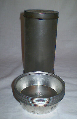 Vintage Willow Australia Cylindrical Nut Loaf Tin And 9  Pie/tart Tins