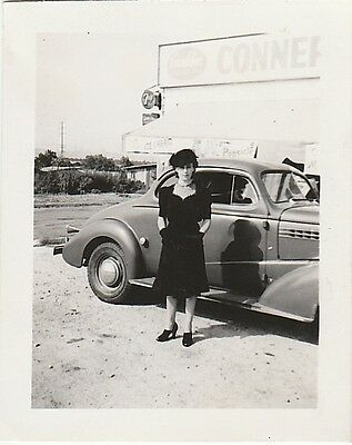 Vintage Bw Photo Of Dressed Up Pretty Woman & Car & 7Up Sign Snapshot