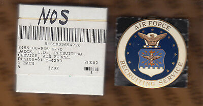 AIR FORCE RECRUITING SERVICE NEW IN BOX DATED 1992 LARGE SIZE:KY14 Militaria USAF BADGE