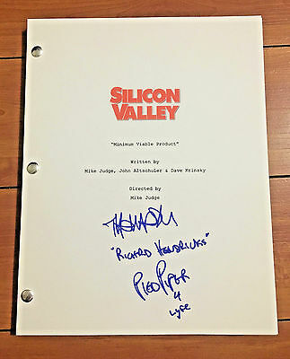 THOMAS MIDDLEDITCH SIGNED SILICON VALLEY PILOT SCRIPT w/PROOF & CHARACTER NAME
