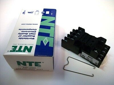 NTE Relay Socket R95-106A - 14−Pin Miniature Socket - Panel/Surface Mount -Screw