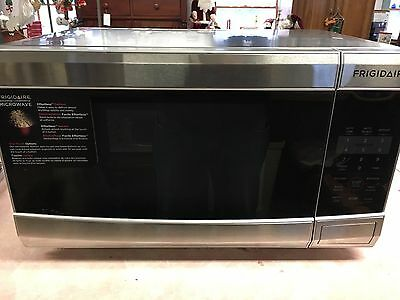 Frigidaire FFCM1134L Microwave Microwave Ovens Countertop ;Stainless Steel