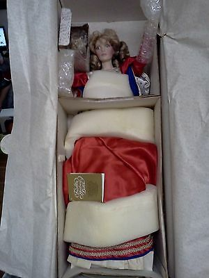 "1988 Franklin Mint Heirloom FHD Queen of Hearts 21"" Porcelain Doll Handcrafted"