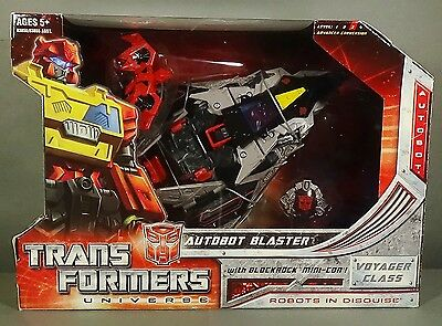 Transformers Universe Classics 2.0 Voyager Class Autobot Blaster MISB