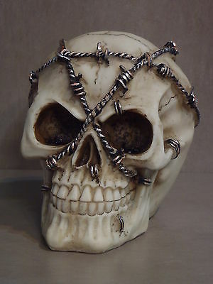 Skull 12cm Tall Resin (Barbed Wire)