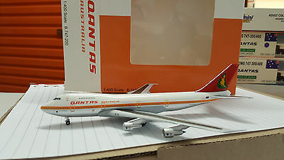 Qantas 747-200 1:400 Rare Model With Issue