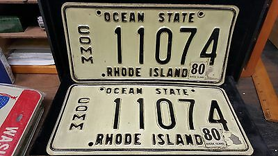 1 set/Pair of RI License Plates#11074 Commercial