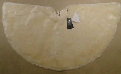 New FAUX FUR Christmas Tree Skirt by TAHARI HOME **52 Inches** Off White/Cream