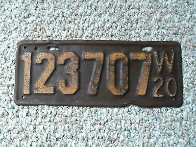 1920  Wisconsin License Plate  orriginal paimt 1920 Ford model t ??