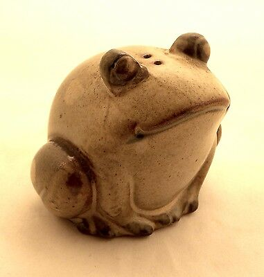 Vintage Ceramic Frog Salt or Pepper Shaker Figurine Spotted