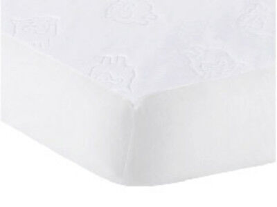 Goldbug - Travel Cot Water Resistant Mattress protector (Embossed Sheep) Free Ex