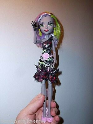 Monster high Moanica D'kay welcome dance solo version bjd doll