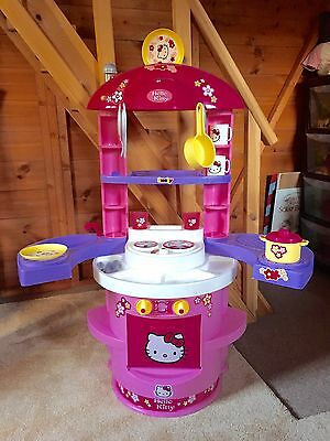 Hello Kitty Kitchen/cooker