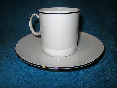 Thomas Rosenthal Medaillon White / Platinum  Band Coffee Cup Saucer( Silver)