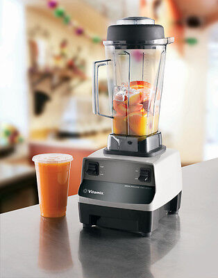 Vitamix Drink Machine Two Speed Commercial Blender 64Oz Container - 748