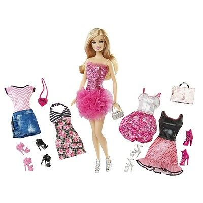 Barbie Fashionistas Malibu Ave doll gift set with clothes, and shoes New
