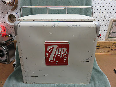 Vintage 7UP Seven 7 Up 1950's Progress Picnic Cooler