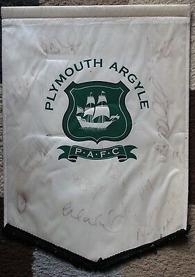"""PLYMOUTH ARGYLE FC Hand SIGNED 2006-07 16x11"""" Pennant RARE"""