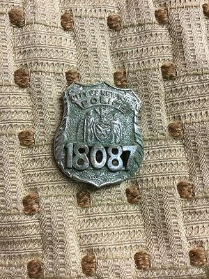 Vintage City Of New York Police Badge Defunct #18087