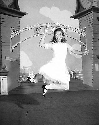 """DEBBIE REYNOLDS IN THE FILM /""""TWO WEEKS WITH LOVE/""""  8X10 PUBLICITY PHOTO ZY-673"""