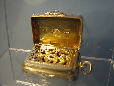 ~ Victorian Miniature solid silver vinaigrette 1858 by David Pettifer