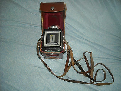 RARE Meopta Flexaret Automat with portable flash included. In leather cases.