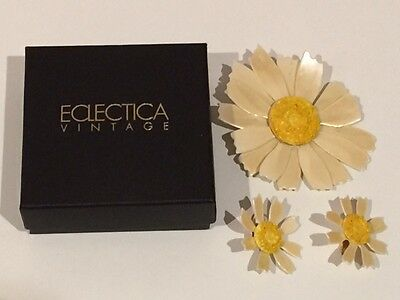 Vintage Jewellery: Unique 1960's Daisy Brooch and Earring Set