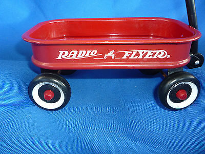 Miniature metal Red Radio Flyer Toy Wagon 5.5 inch