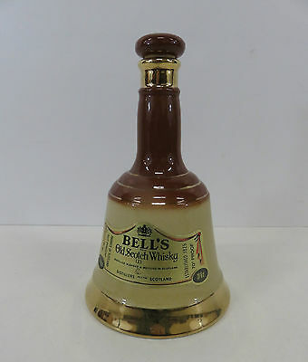 """Wade Bell's Old Scotch Whisky Decanter With Stopper 8"""" High"""