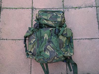 British Army Issue RUCKSACK 30 ltr-DAYPACK/Backpack-DPM Camouflage-2 side pouchs