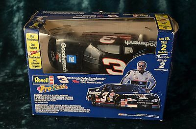 Revell Pro Finish Dale Earnhardt #3 Goodwrench 1:24 CIB