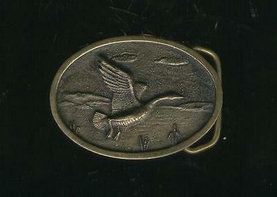 RARE VINTAGE SOLID BRASS Belt Buckle BIRD DUCK GEESE FLYING HERITAGE MINT SERIAL
