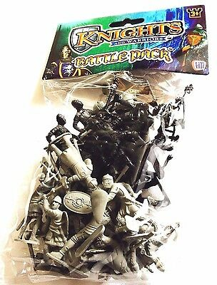 Plastic Toy Knights and Warriors Army Military War Games-30 Pack