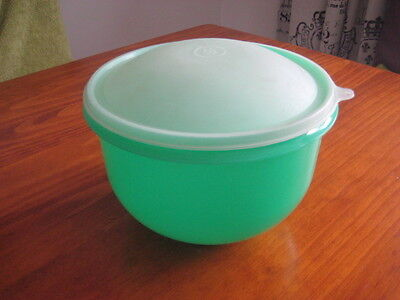 Tupperware Green Large Super Crisp It Lettuce Keeper With Seal  - Pre Owned Vgc