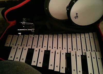 """Vic Firth Xylophone 073145 Pre Owned 32 Key 24"""" with case & stand Precussion Set"""