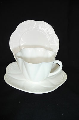 """Vintage & Collectable Shelley Fine Bone China """"Dainty"""" Trio : 1925-1945 Perfect"""