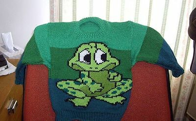 Really Cute Frog   New Hand Knitted Size 3  Different Shades Of Green