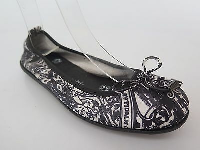 Clearance - Django & Juliette - new ladies leather flats size 37 / 6.5 #201