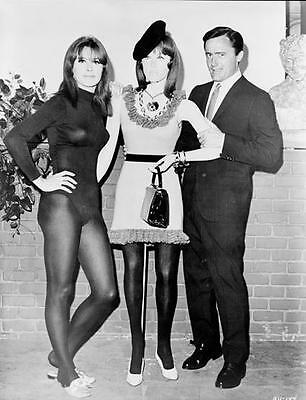 Man From Uncle Robert Vaughn Cheesecake Stefanie Powers  8X10 Photo