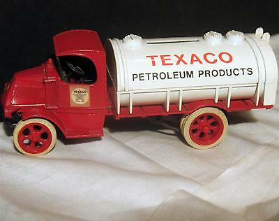 Vintage Ertl Texaco 1926 Mack Tanker Gas & Oil Truck #2 Model 1985 Diecast Bank