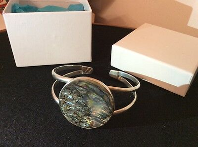 Mexico Solid Silver bangle bracelet with Abalone inlay