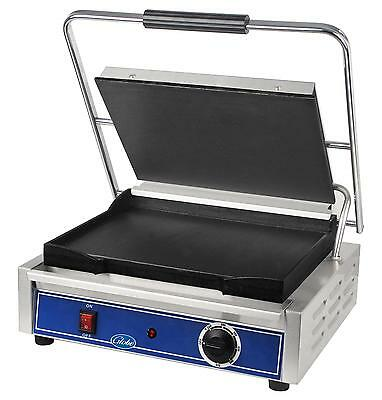 "Globe GSG1410 14"" x 10"" Single Panini Sandwich Grill with Smooth Plates"