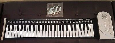 Electronic Roll Up Soft Keyboard Piano Electric Musical Instrument with DVD