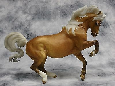 Breyer * Chanel *711224 Breyerfest Connemara Croi Damsha Traditional Model Horse